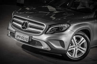 Grade, parachoque e rodas do Mercedes-Benz GLA