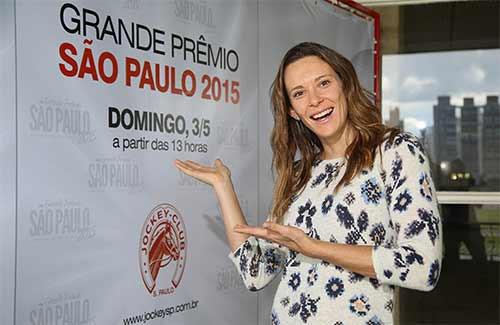 Uma das mais bem sucedidas atletas brasileiras, a paulista Fabiana Murer, duas vezes campeã mundial do salto com vara, foi indicada para madrinhar o 91º Grande Prêmio São Paulo de turfe.