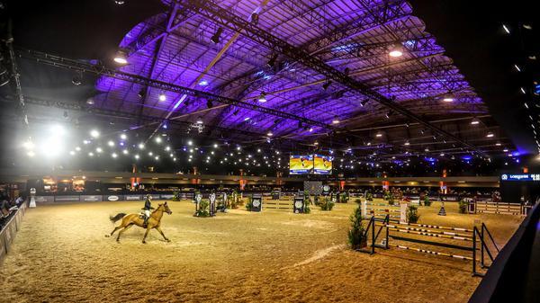 Panoramica do recinto do Indoor, maior vão livre sem pilastra das Américas (Luis Ruas)