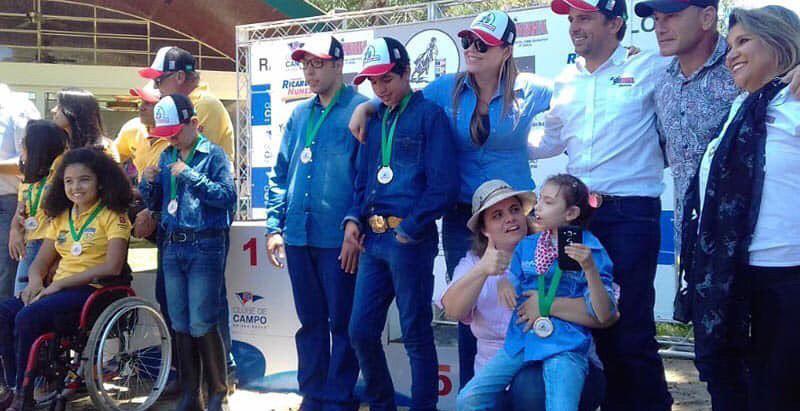 Atletas especiais emocionam a torcida no campeonato de Três Tambores paraesportivo