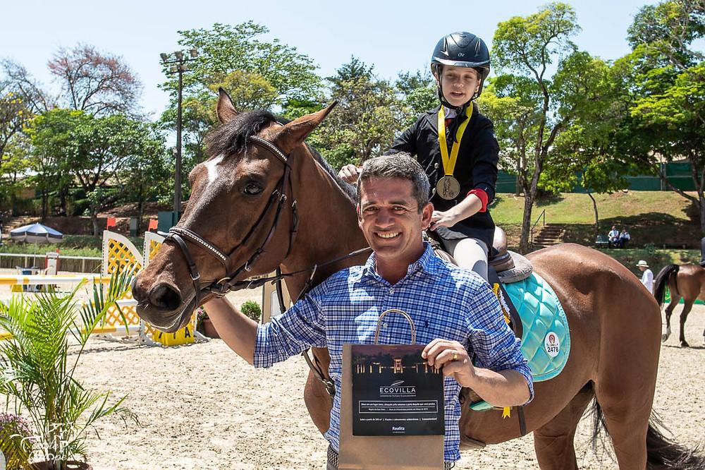 Carol com seu instrutor Esdra Ramos