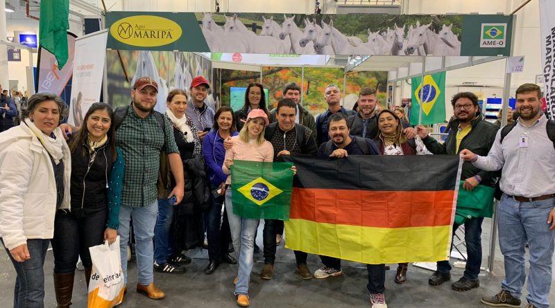 Os 15 integrantes da Missão Técnica Sebrae DF, em visita à Equitana, ampliam o público brasileiro que prestigia a maior feira equestre do mundo.