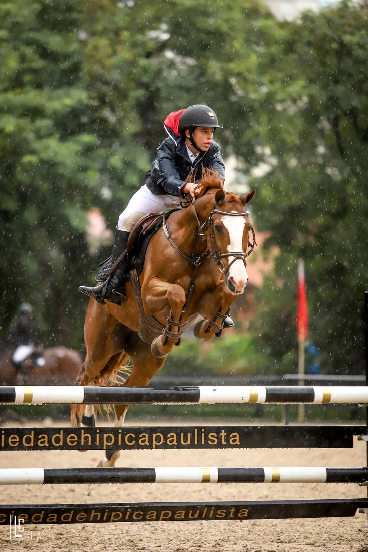 Henrique Dias Renno Silva com Oracle Tok: campeão Pré-mirim