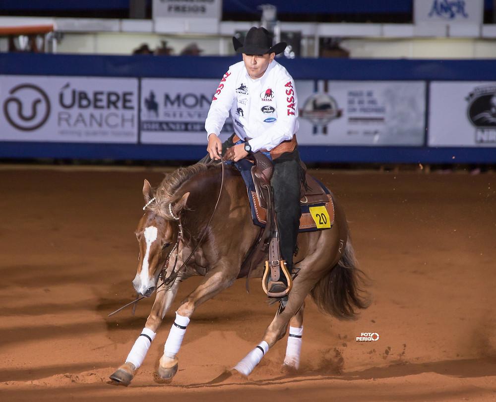Gilson Diniz Filho compete na mais exigente das categorias, a Aberta, na II Pan American Cup NRHA/ANCR (foto: Adilson Silva / FotoPerigo)