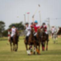 Chile joga com Chile no Helvetia Polo