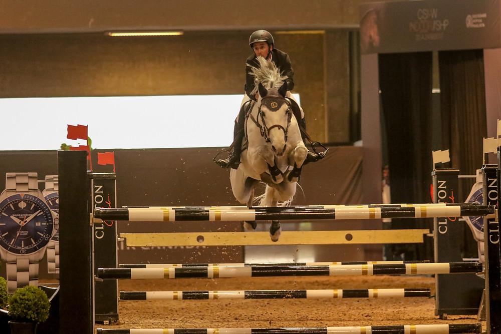 cavaleiro top paranaense Felipe Juares de Lima, bicampeão do GP Indoor 2011/2012, garantiu o 14º percurso sem faltas montando Laudator JMen e a nona vitória consecutiva com o mesmo cavalo