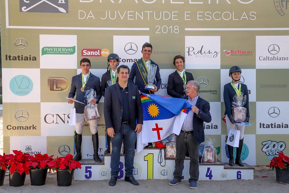 Os vencedores Junior com Ronaldo Bittencourt Fº e Paulo Miranda (Luis Ruas)