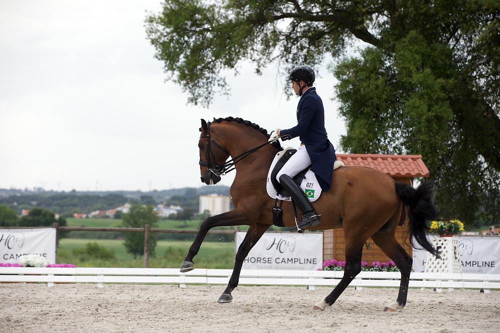 João Victor Marcari Oliva e Escorial Horsecampline: único conjunto brasileiro no Hipismo Adestramento nos Jogos de Tóquio (Foto: Rui Pedro Godinho/Divulgação Coudelaria Ilha Verde).