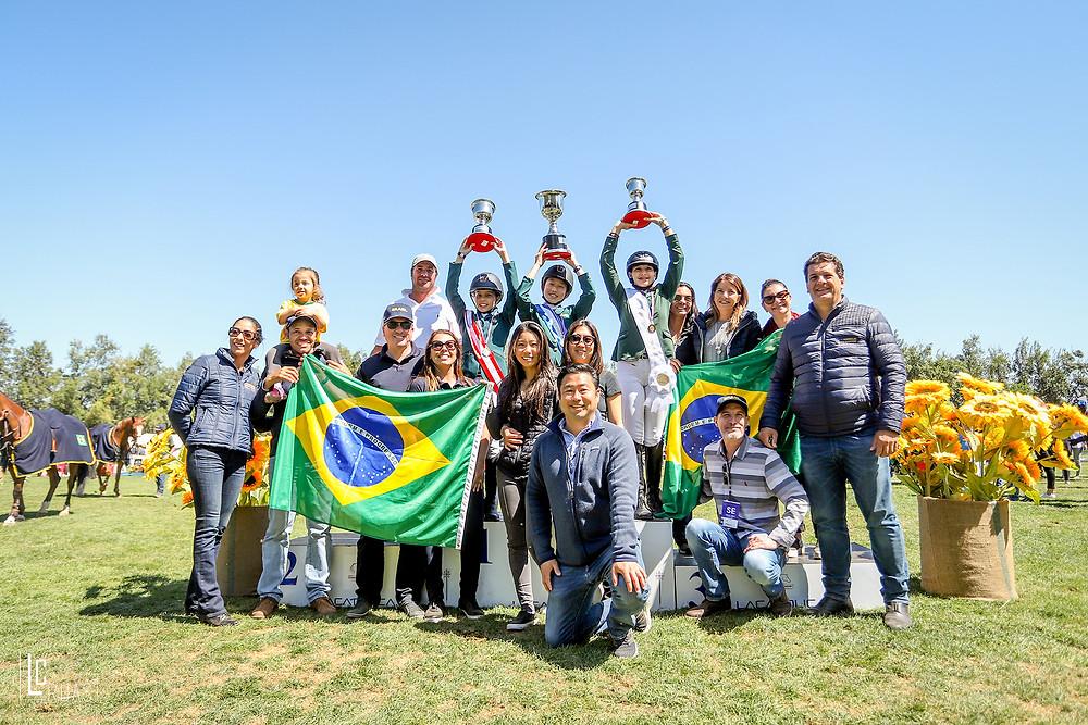 Festa brasileira no pódio da categoria Pré-mirim  (Luis Ruas)