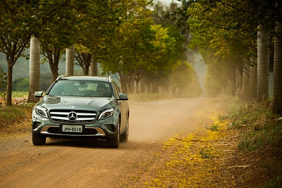 Mercedes-Benz GLA no campo
