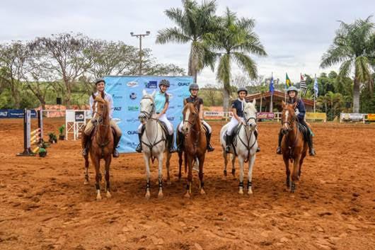 Hipismo ABHIR em Tietê reúne centenas de atletas na região na Hípica Vidotto