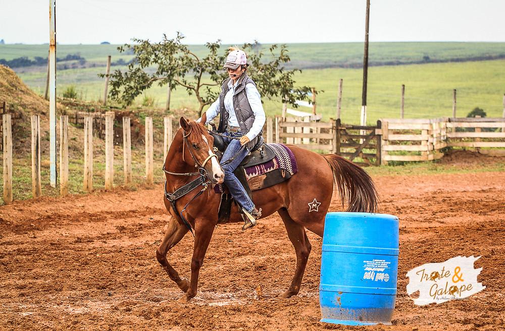 Foi com a experiência de 17 anos de profissão e vivência em todo tipo de pista que Daiane Sudário fez de seu workshop um sucesso no último fim de semana (24 a 26/07), no Clube dos Cavaleiros de Rio das Pedras (SP). Fotografia de cavalo quarto de milha