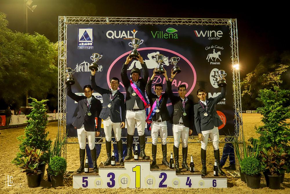Comemoração no pódio da Copa Ouro no CSN D Maio (foto Luis Ruas)