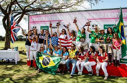 Podio do torneio de polo feminino no Helvetia Polo