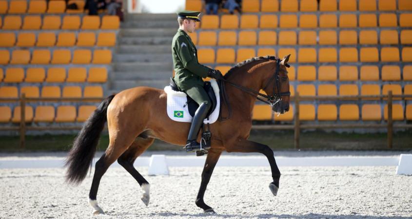 Joao Victor e Escorial Horsecampline em clique de sua 1ª qualificativa em 17/11 (foto Rui Godinho))