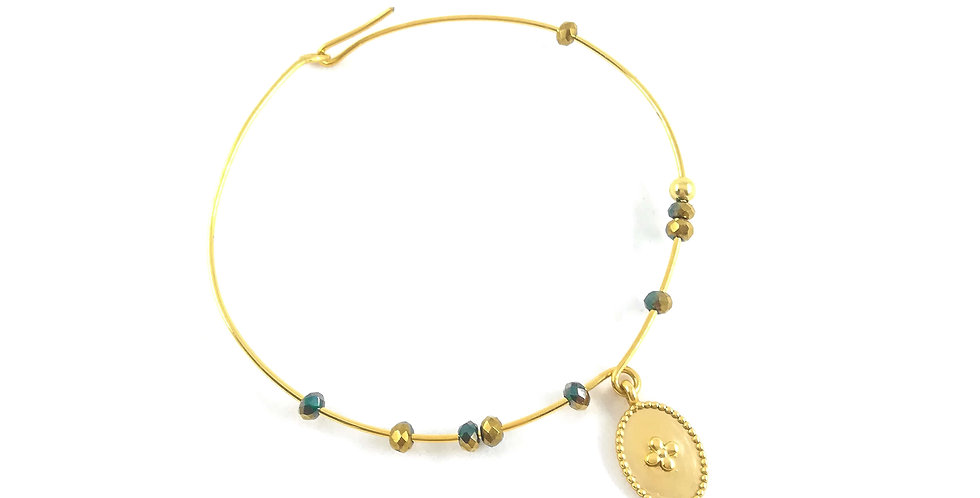 Bracelet jonc plaqué or médaille et perles de verre