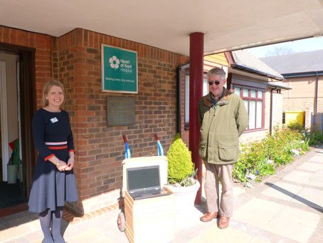 Computers 4 Charity Donates Laptops to Heart of Kent Hospice