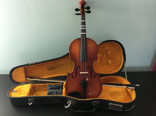 """""""Saffron"""" 1/4 size violin by Suzuki"""