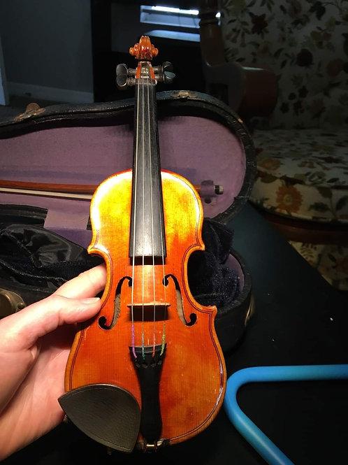 """""""Chia"""" 1/128 size violin by John Juzek"""