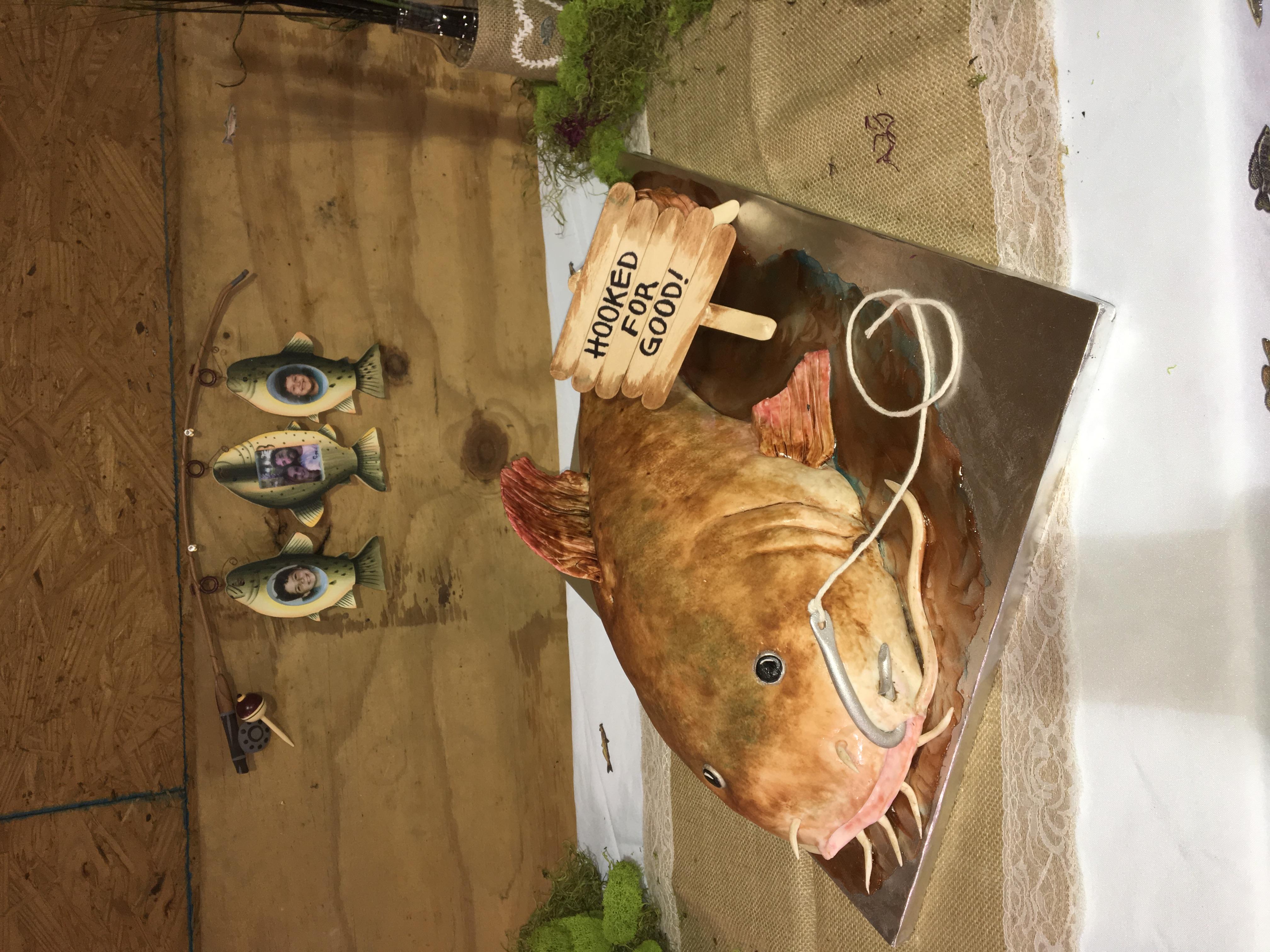 2017-12 catfish groom cake