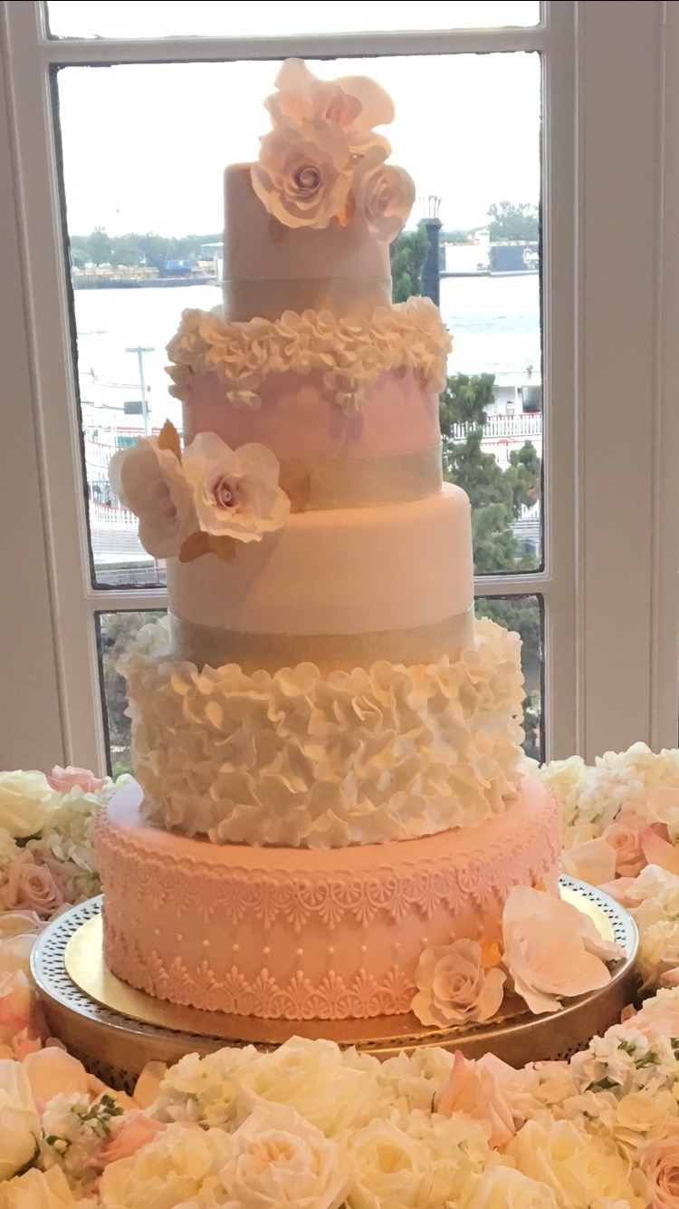 2017-10-21 5 TIER TWO TONE  WITH FLOWERS WEDDING