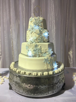 2016-12 lighted snowflake wedding cake