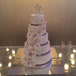 2017-11 JUNEAU CALLA WEDDING CAKE