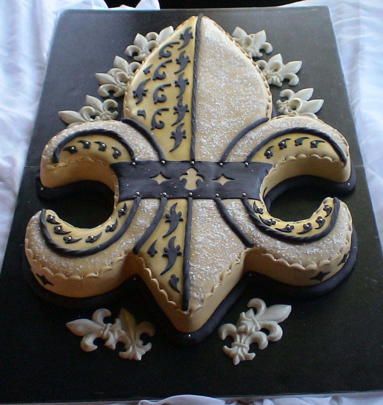 black and gold fdl groom cake
