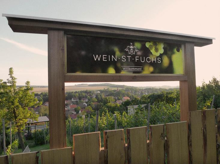 Wein_St_Fuchs_–_Sign.jpg
