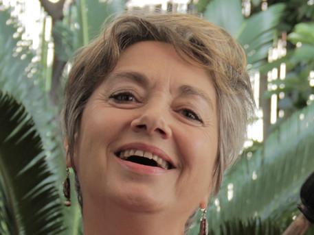 Entrevista a Rosa Medina - El canto al servicio del SER