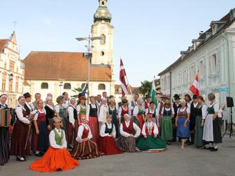 Lubānas dejotāji danco Alpu kalnos (foto pielikumā)!