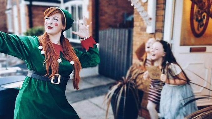 Singing Elf in Springhall