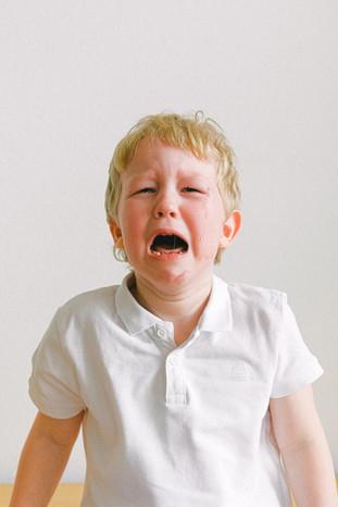 Pourquoi mon enfant se comporte mieux avec les autres ?
