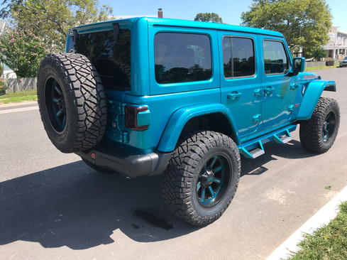 """Jeep JL Rubicon - 2"""" Mopar Lift w/ 37"""" Tires"""