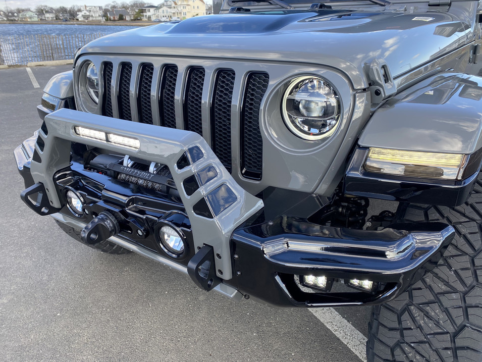 STING GREY AND BLACK JEEP JL PAINTED FRONT BUMPER
