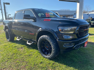 RAM BIG HORN BLACK AND RED - 2020