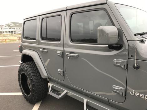 Sting Grey Jeep Sahara