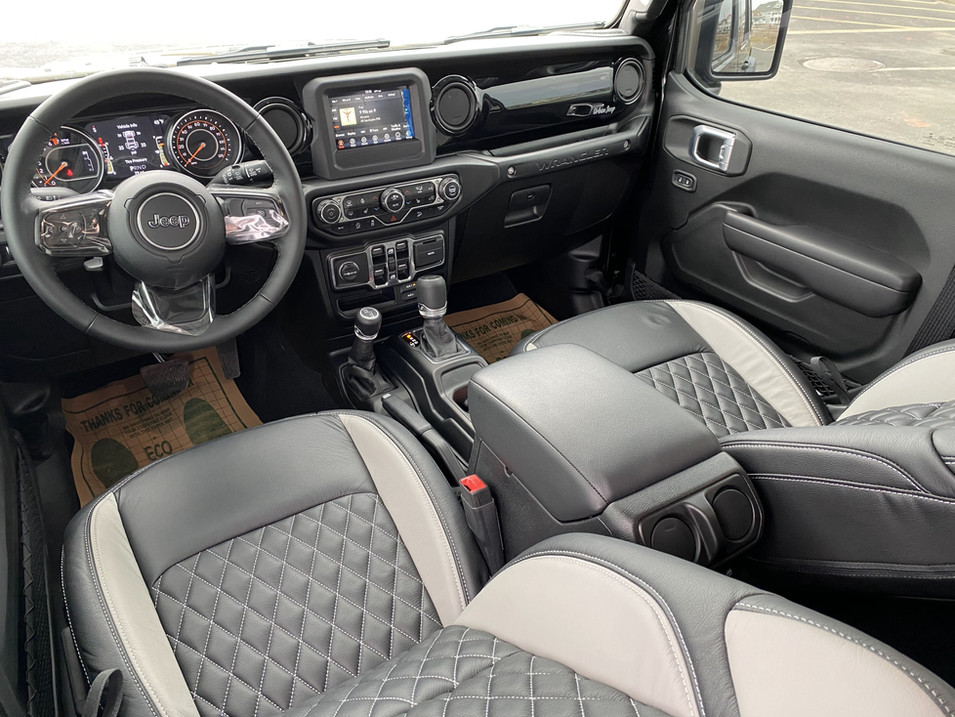 STING GREY AND BLACK JEEP JL INTERIOR