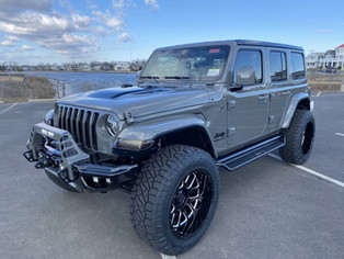 Sting Gray and Gloss Black Jeep JL - 2020