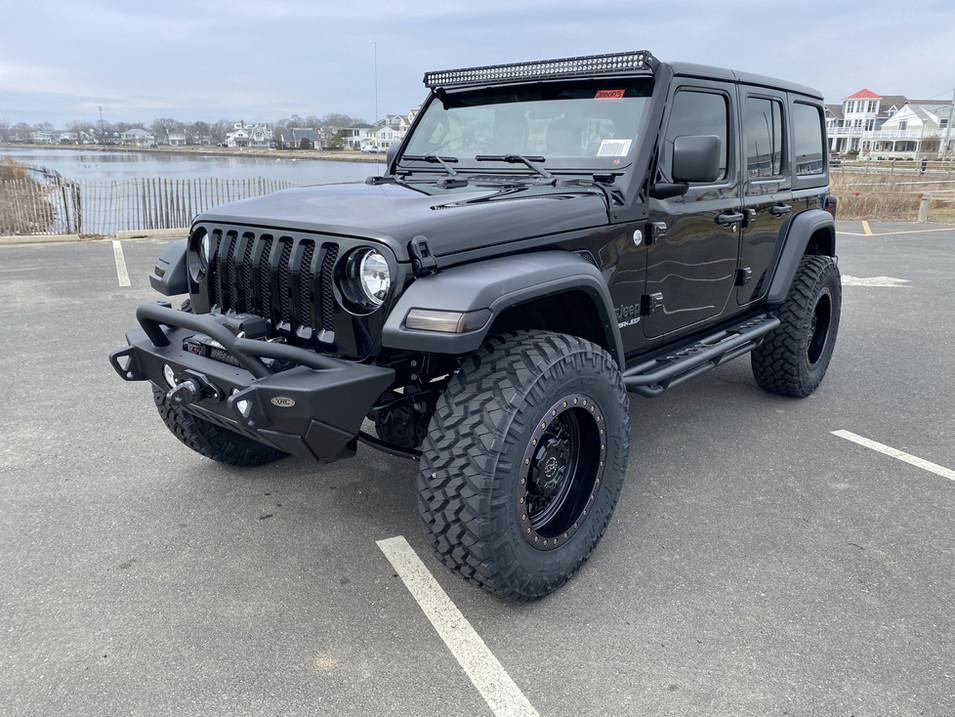 STING GREY AND BLACK JEEP JL