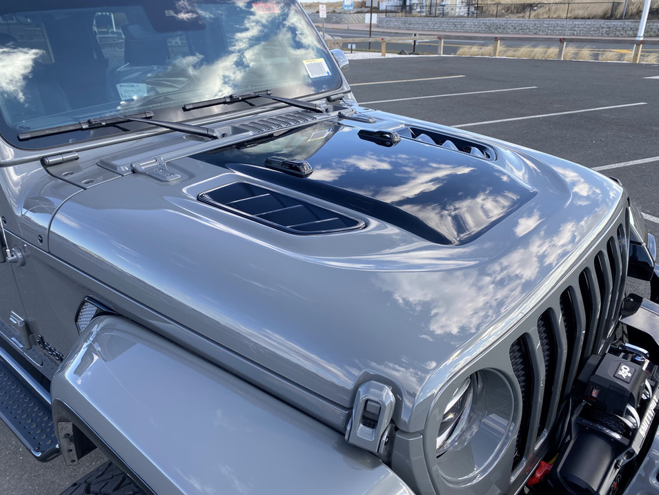 STING GREY AND BLACK JEEP JL PAINTED HOOD
