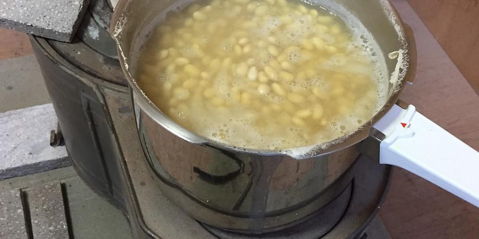 生きた麹で作る味噌教室