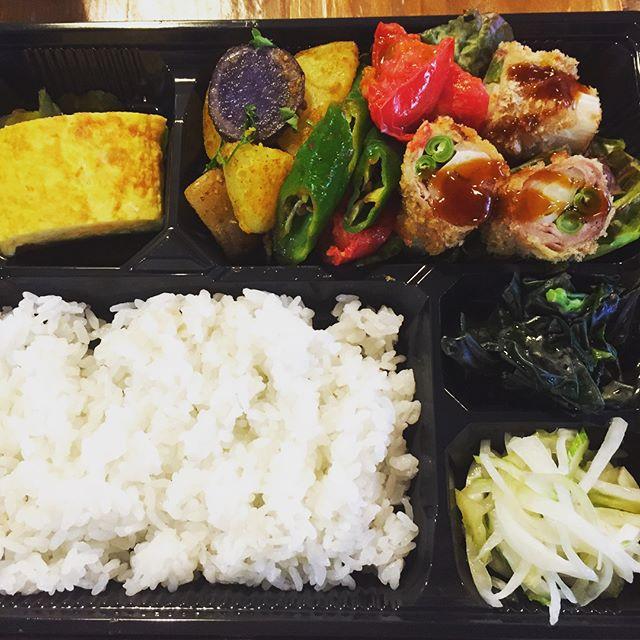 最近のお弁当。_定番の900円弁当から3000円のお弁当まで幅広くご注文頂いてお