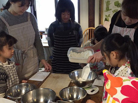 親子料理教室でいっぱい学んで遊びました。
