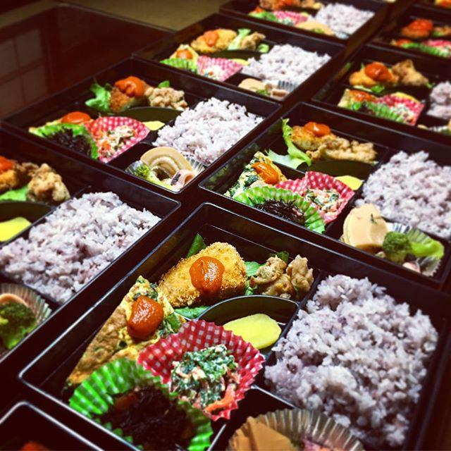 重箱で配達。_会議、講座にもご利用頂いてます。__#金沢キッチン_#お弁当_#た