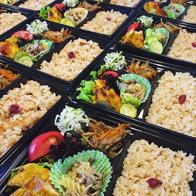 ミネラルを意識したお弁当、今日は中戸川先生にも食べて頂き、お褒めのお言葉を頂きま
