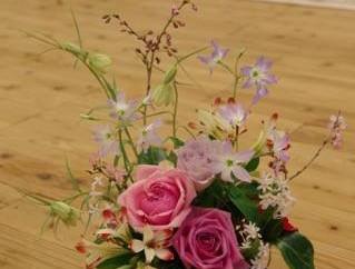 大人のはぐくみ時間*テーブルに花と緑のある暮らし5月2日募集