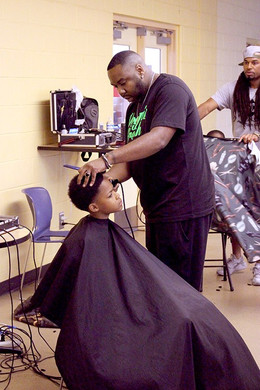 Free haircuts for Detroit yout