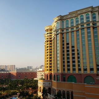 Four Seasons Hotel, Parcel 2
