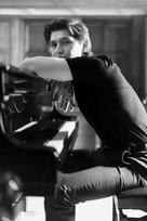 Harry-piano-web14.jpg